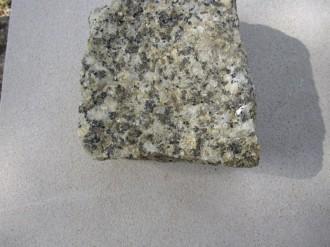 Striegauer Granit gespalten Pflasterstein