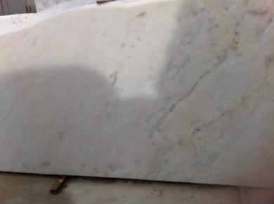 Afyon white, gelblich, poliert