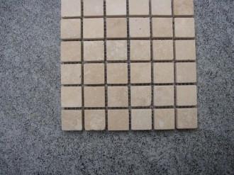 Travertin beige, geschliffen, 25 x 25 mm