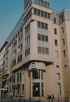 Deutsche Bank Berlin, Material: Giallo Veneziano